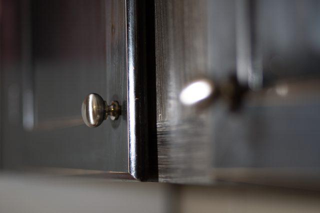 kitchen cabinet door knob placement photo - 7