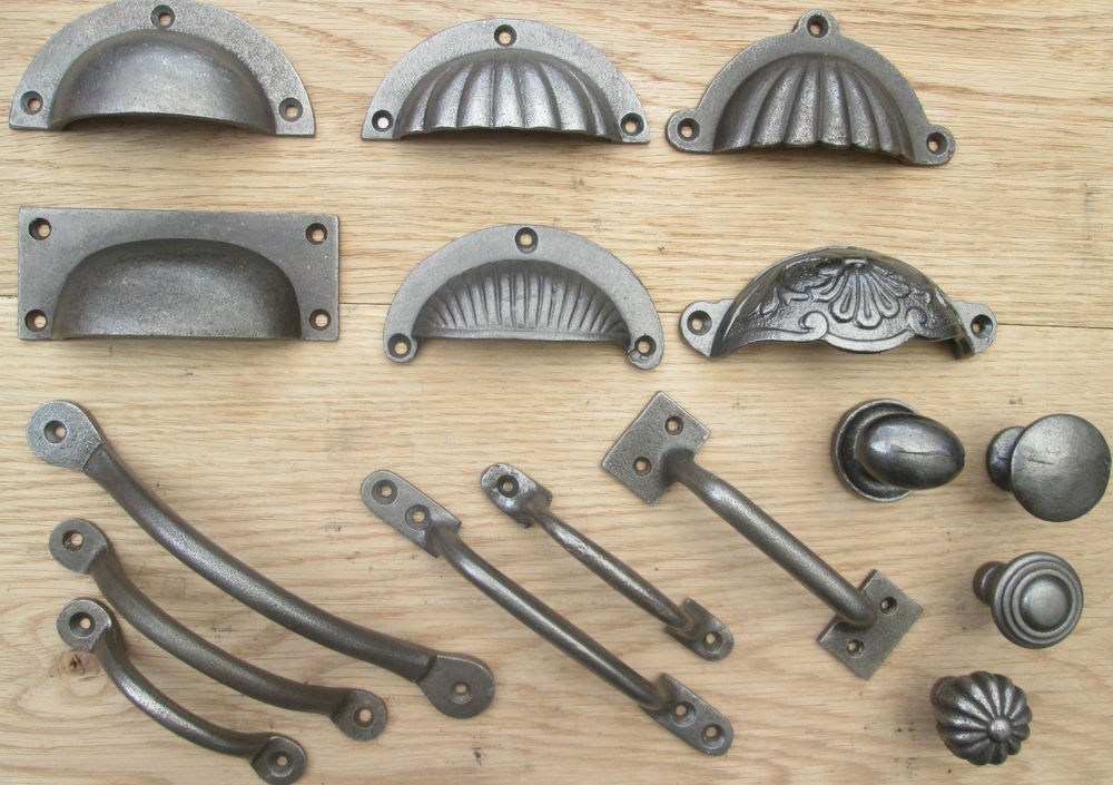 kitchen cupboard door handles and knobs photo - 2