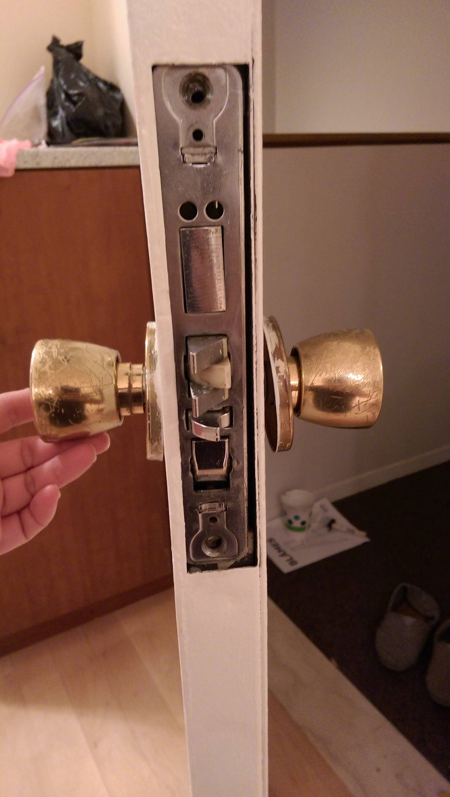 kwikset door knob removal photo - 12