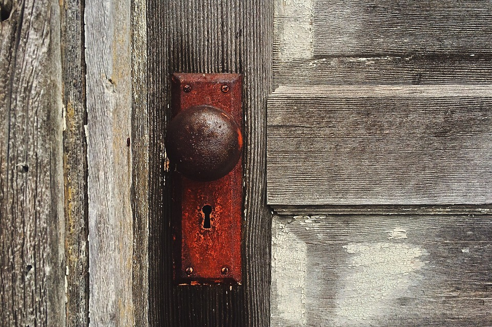 old door knob photo - 14