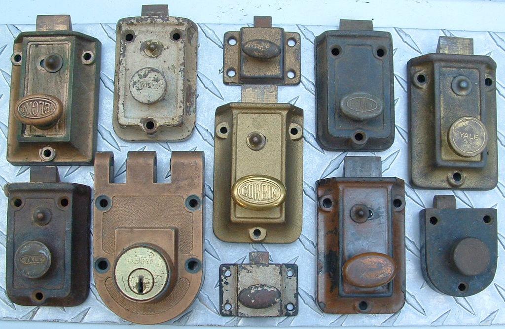old door knobs and locks photo - 16