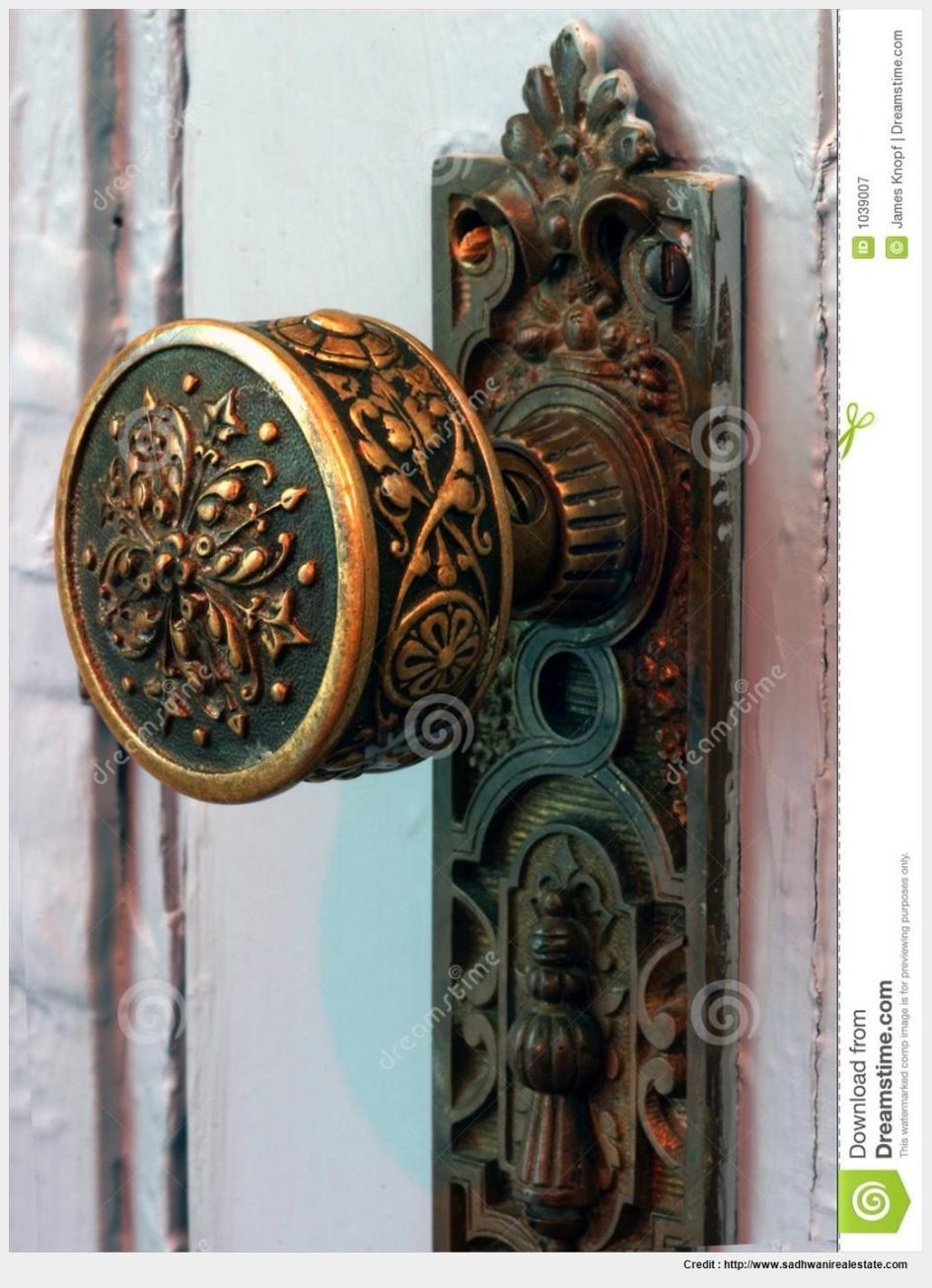 old fashioned door knob photo - 11