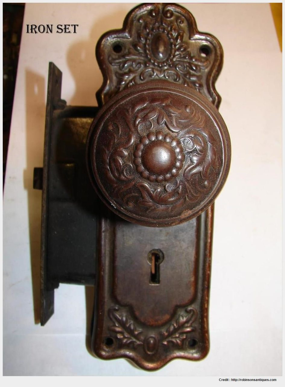 old fashioned door knob photo - 18