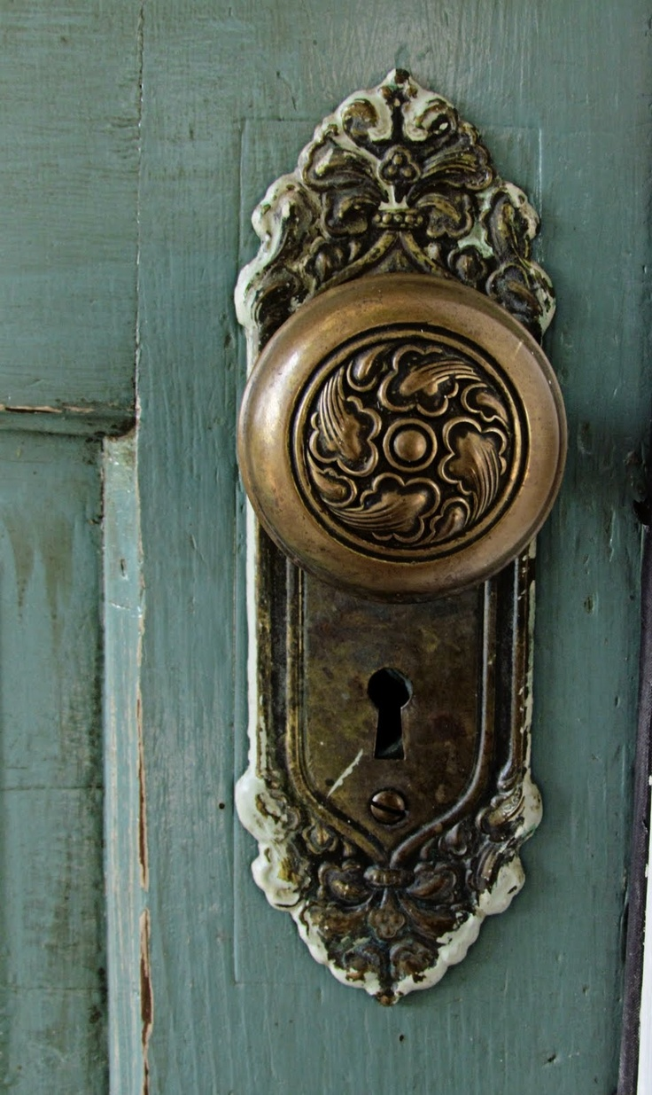 old fashioned door knobs hardware photo - 2