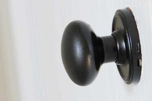 painted door knobs photo - 2