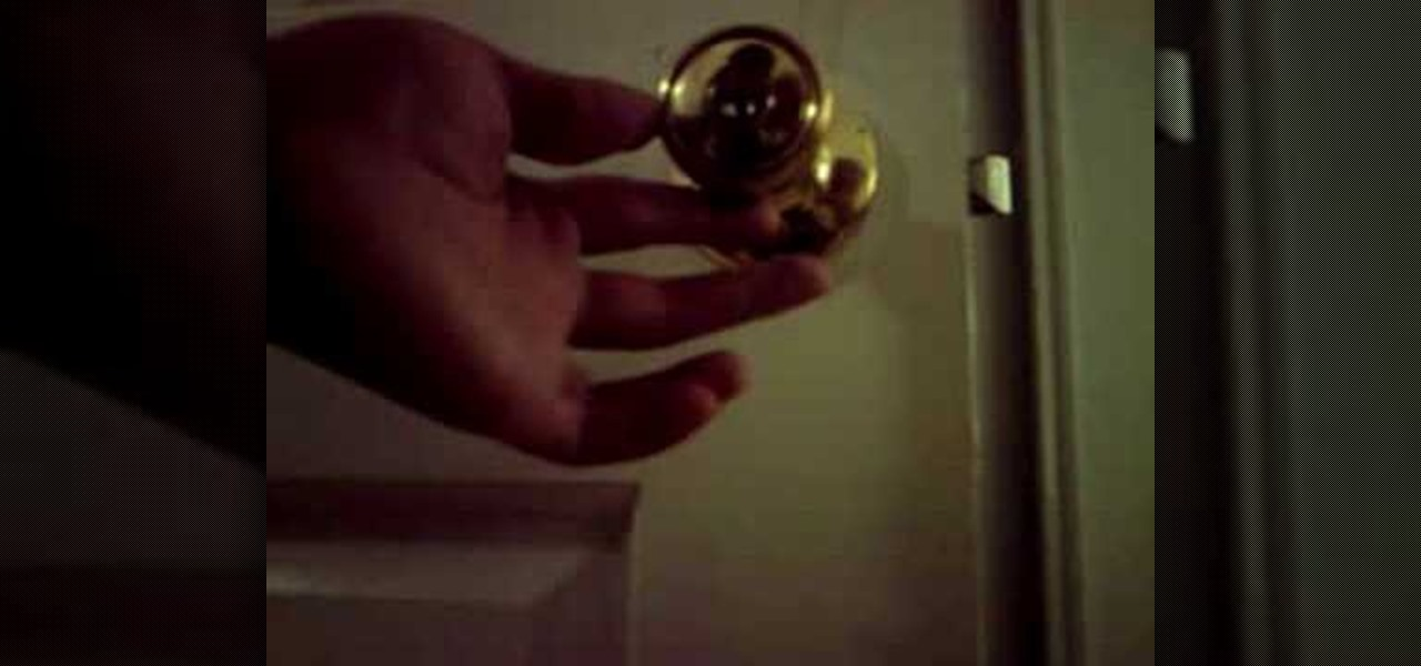 picking a door knob lock photo - 10