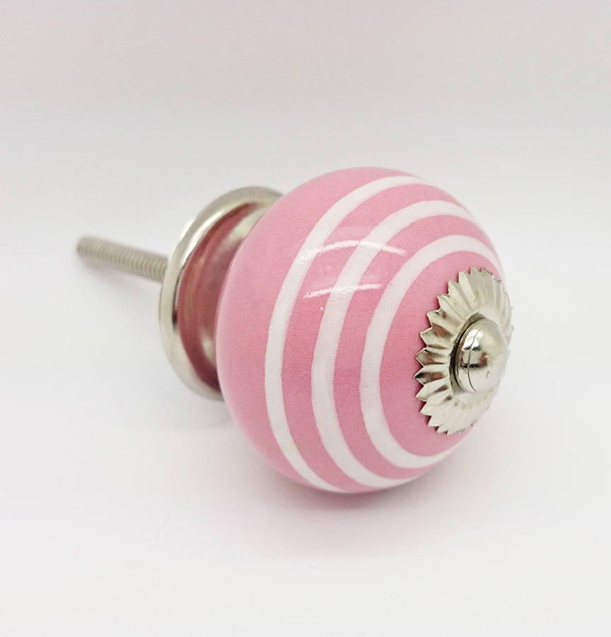 pink door knob photo - 11