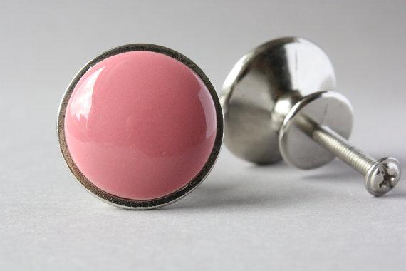 pink door knob photo - 6