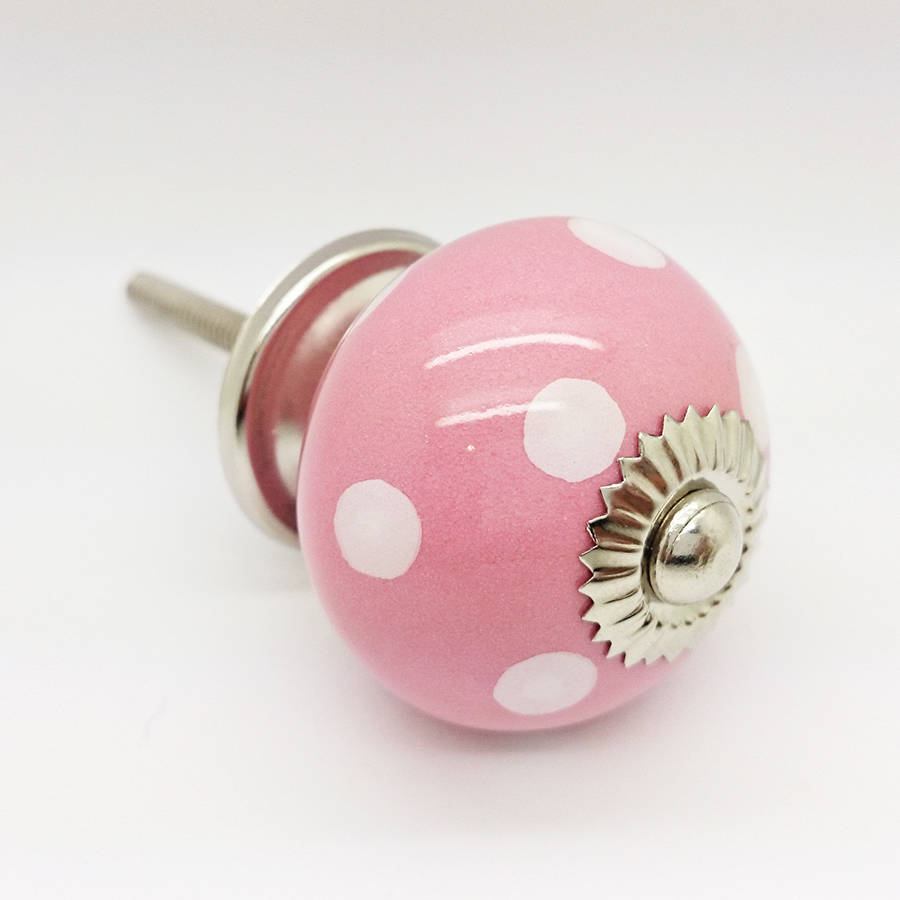 pink door knobs photo - 10