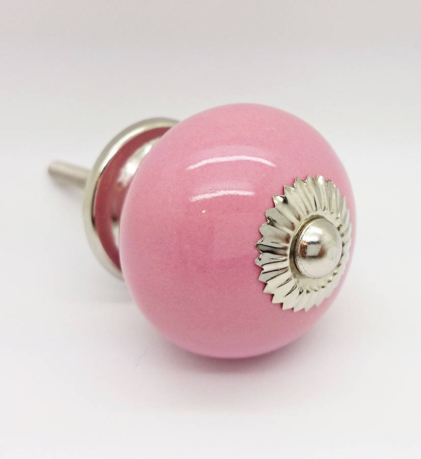 pink door knobs photo - 4