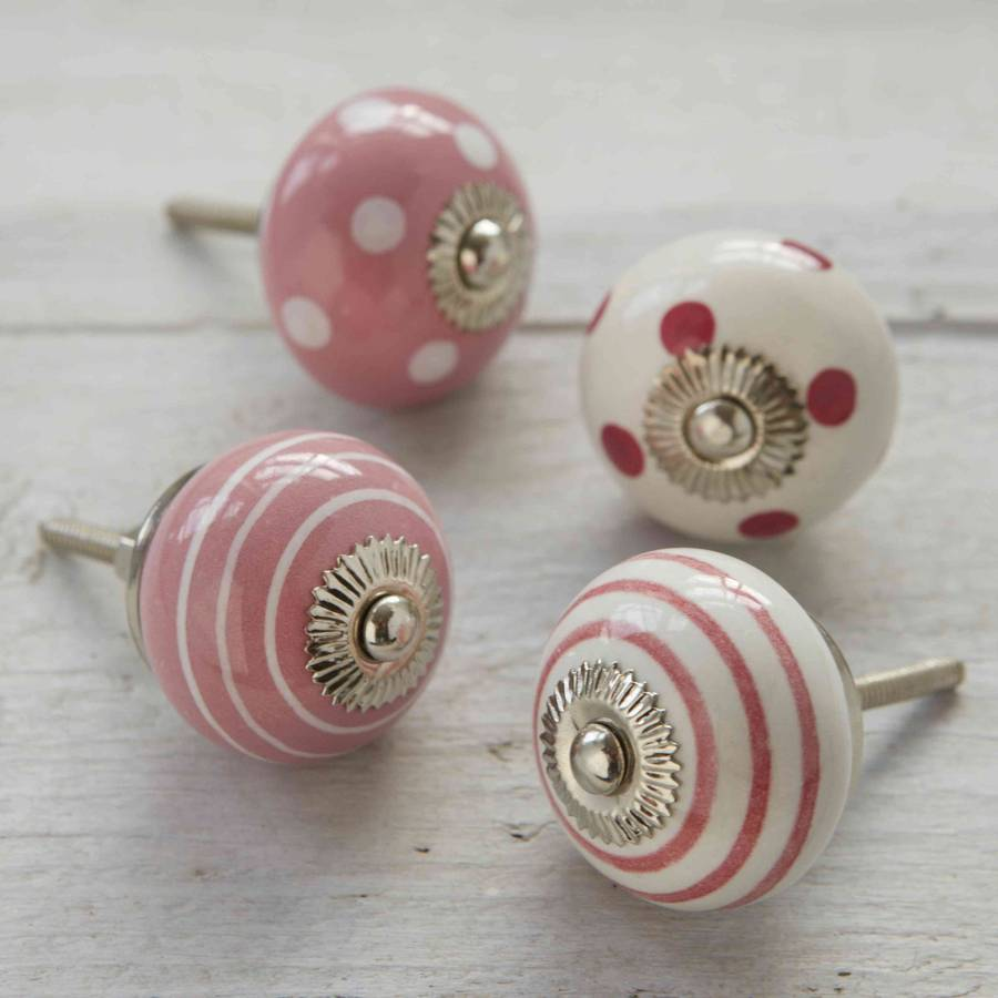 pink door knobs photo - 7