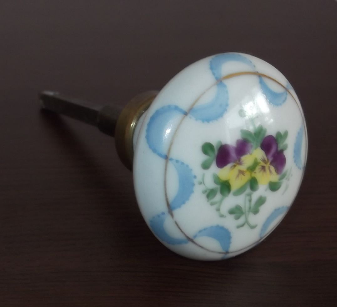 porcelain door knob photo - 18