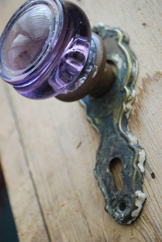 purple door knob photo - 12