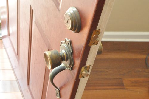 remove exterior door knob photo - 6