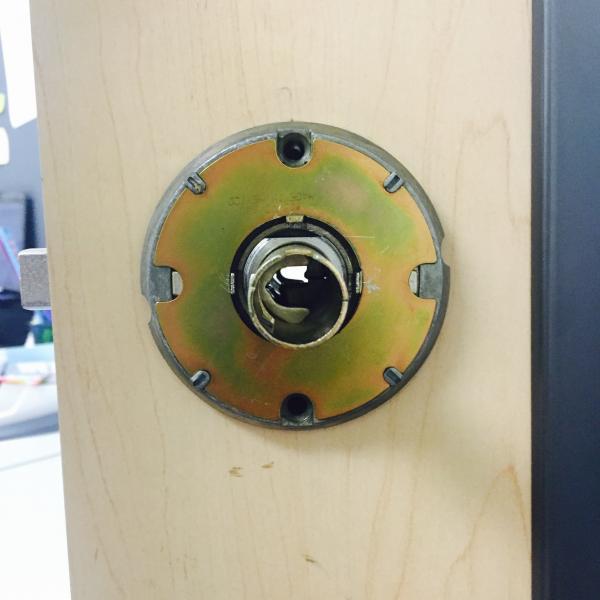remove schlage door knob photo - 1
