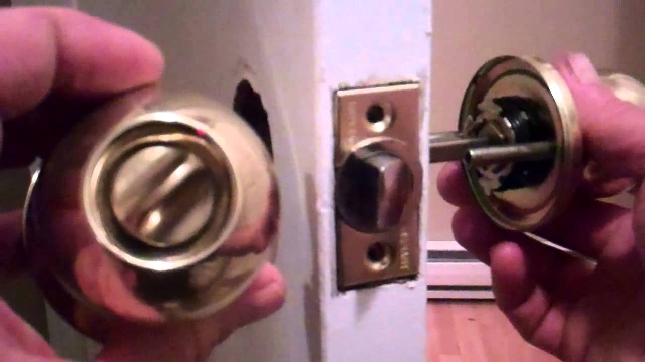 removing door knob photo - 17