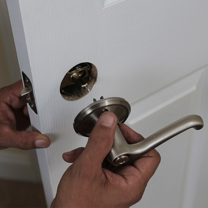 replace interior door knob photo - 2