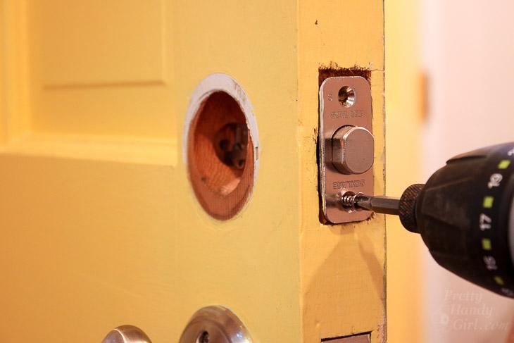 replacing door knobs photo - 16