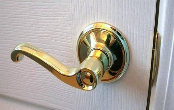 replacing interior door knobs photo - 5