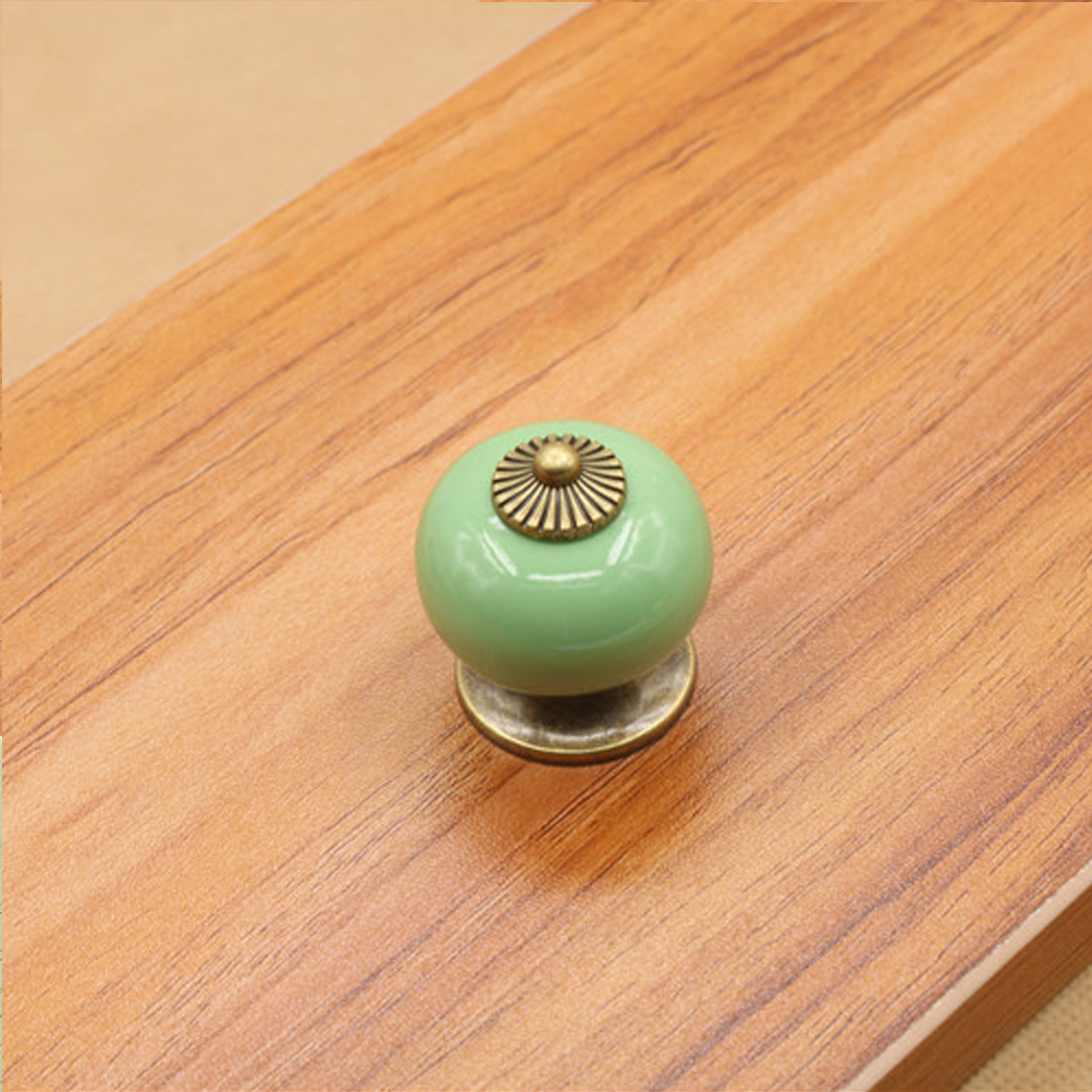 retro door knobs photo - 12