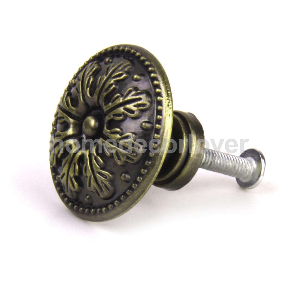 retro door knobs photo - 13