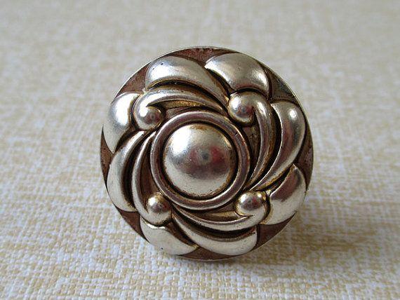 silver door knobs photo - 14