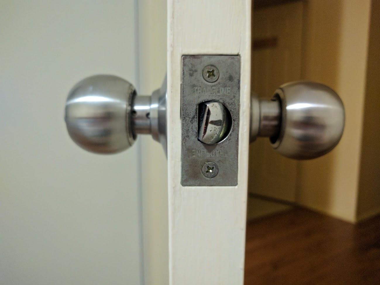 sticky door knob photo - 9