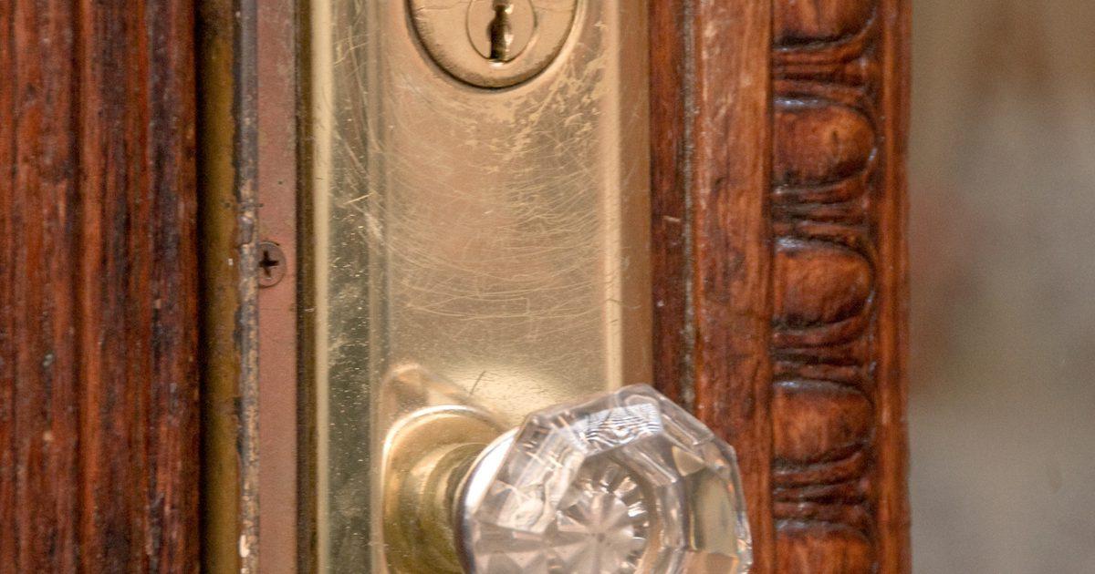 taking off a door knob photo - 11