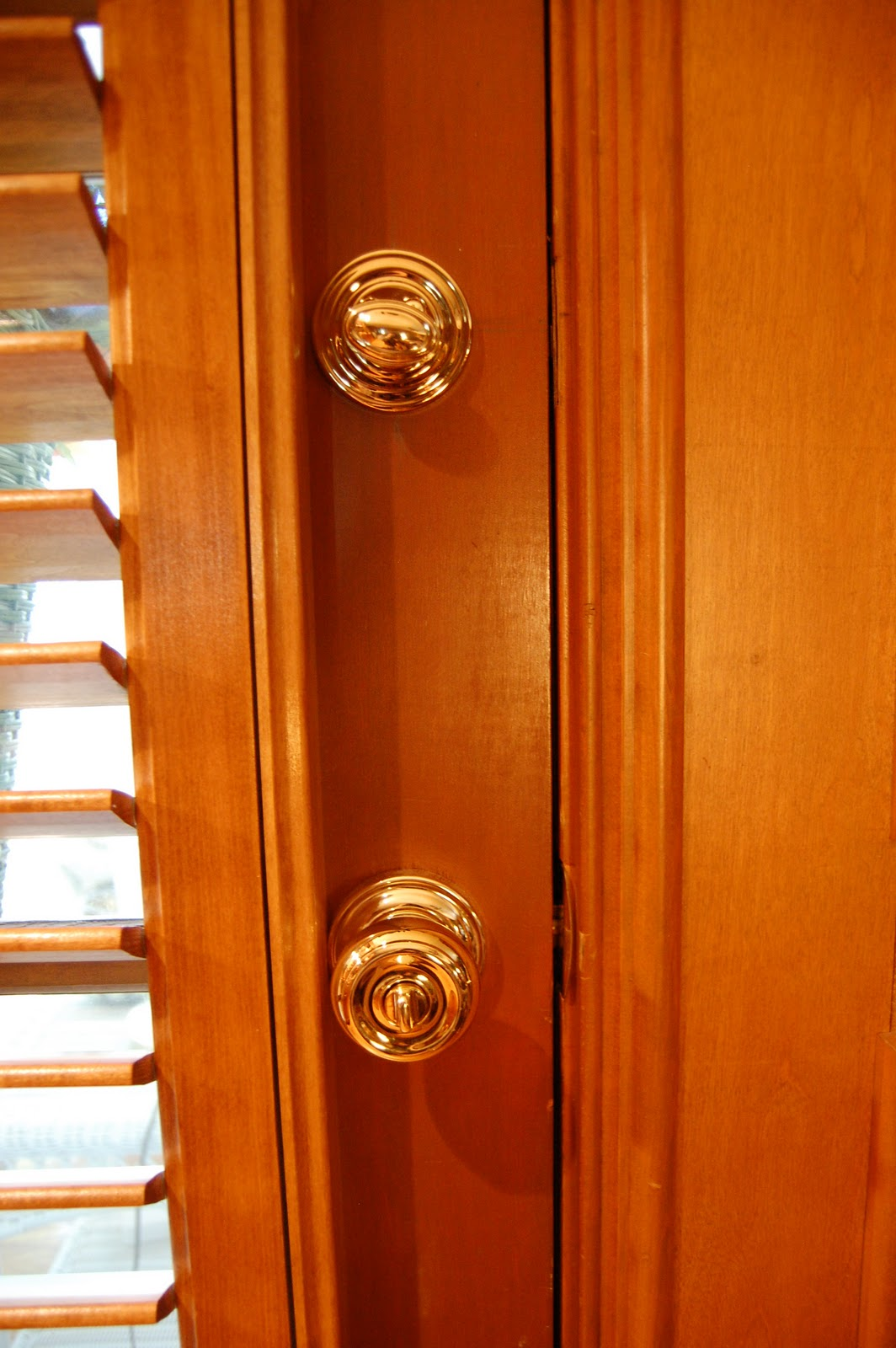 tighten loose door knob photo - 15