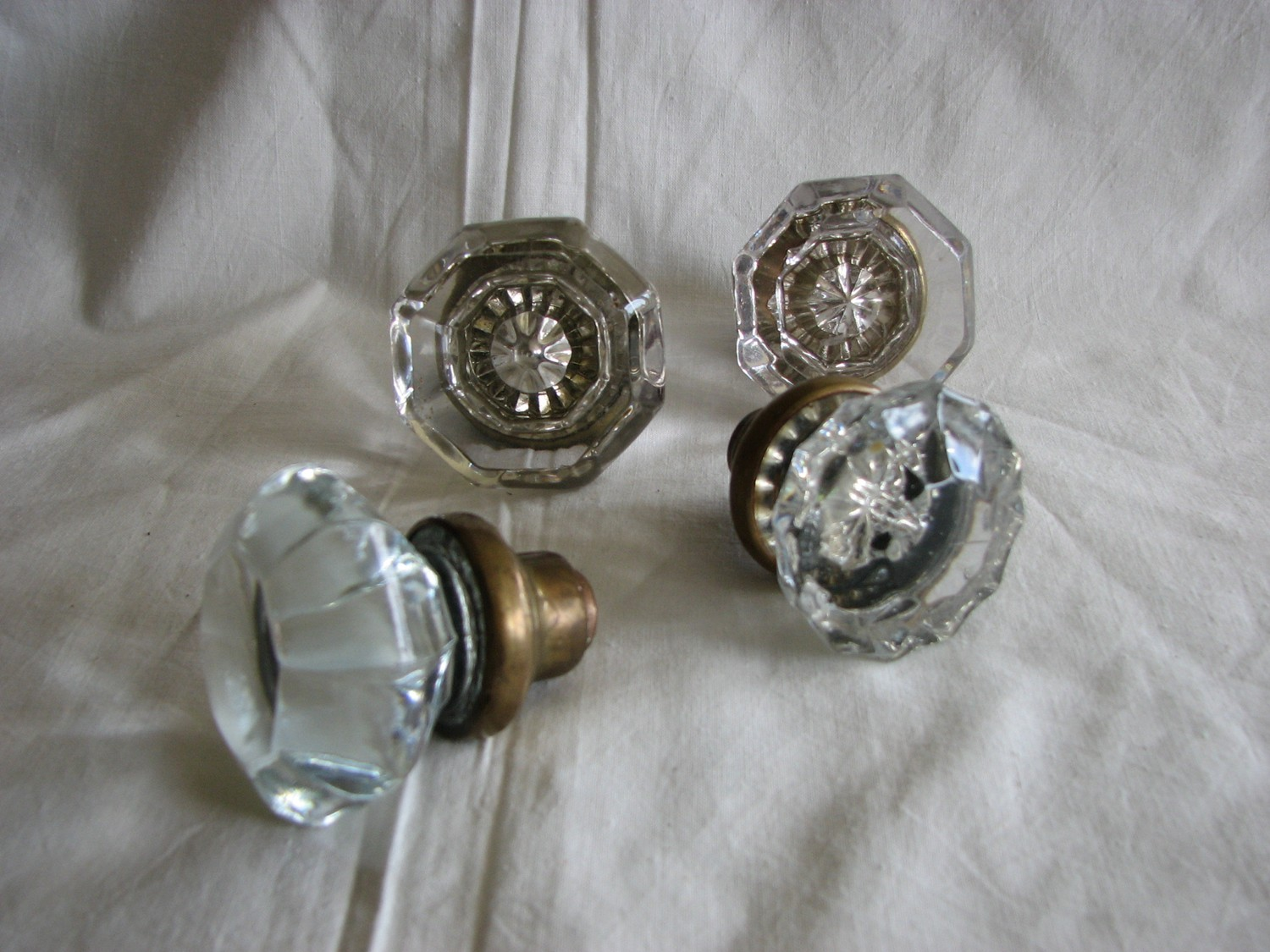victorian glass door knobs photo - 2