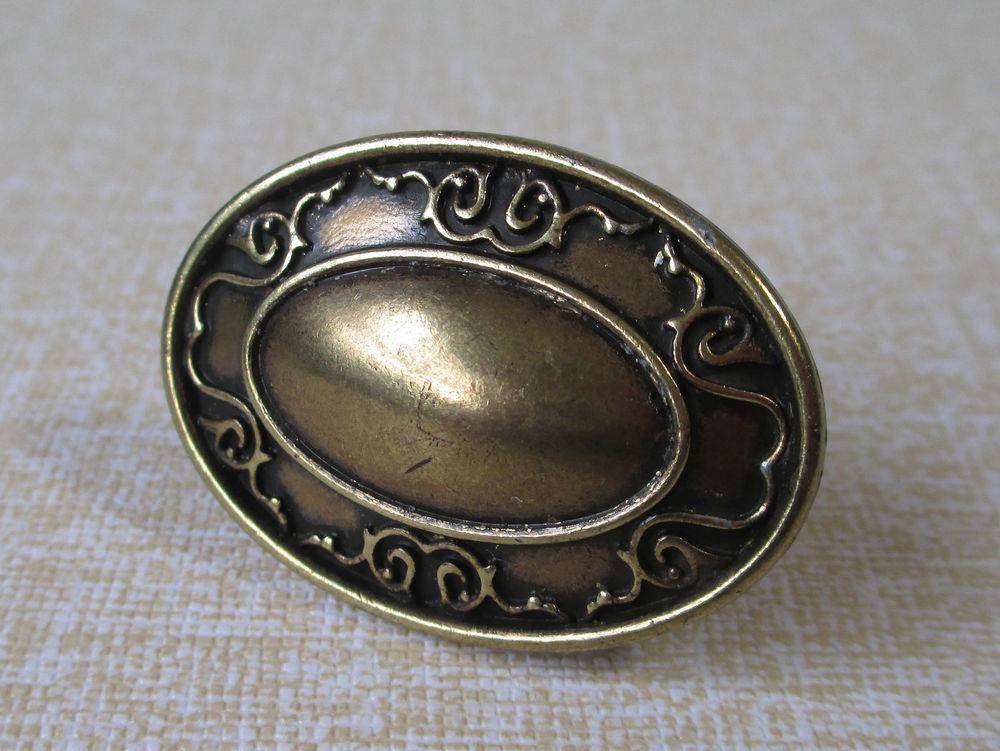 vintage cupboard door knobs photo - 10