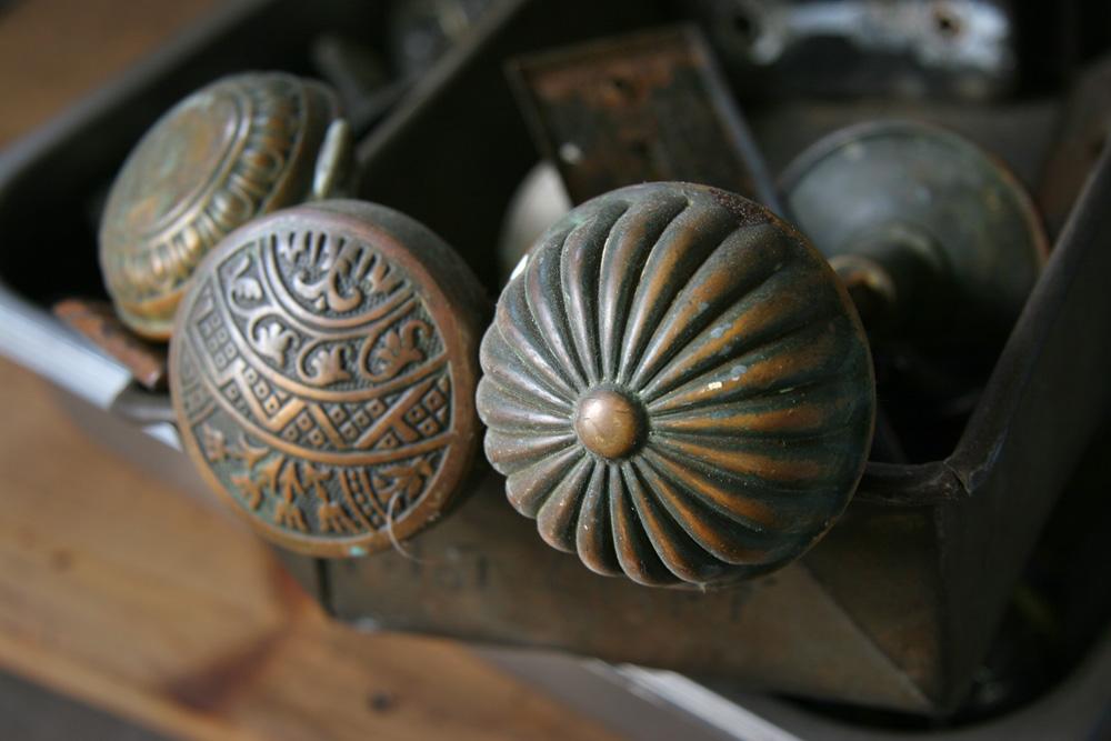 vintage door knobs photo - 17