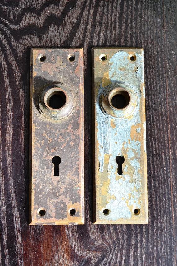 vintage door knobs and plates photo - 13
