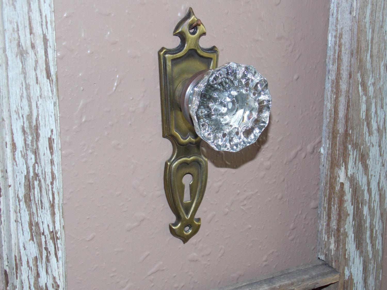 vintage door knobs and plates photo - 5