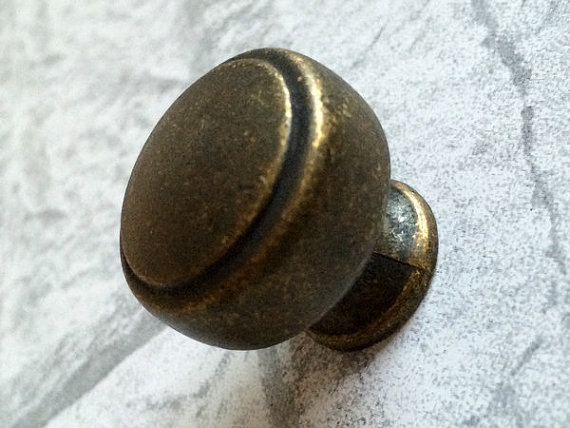 vintage style door knobs photo - 10