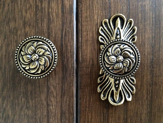 vintage style door knobs photo - 8