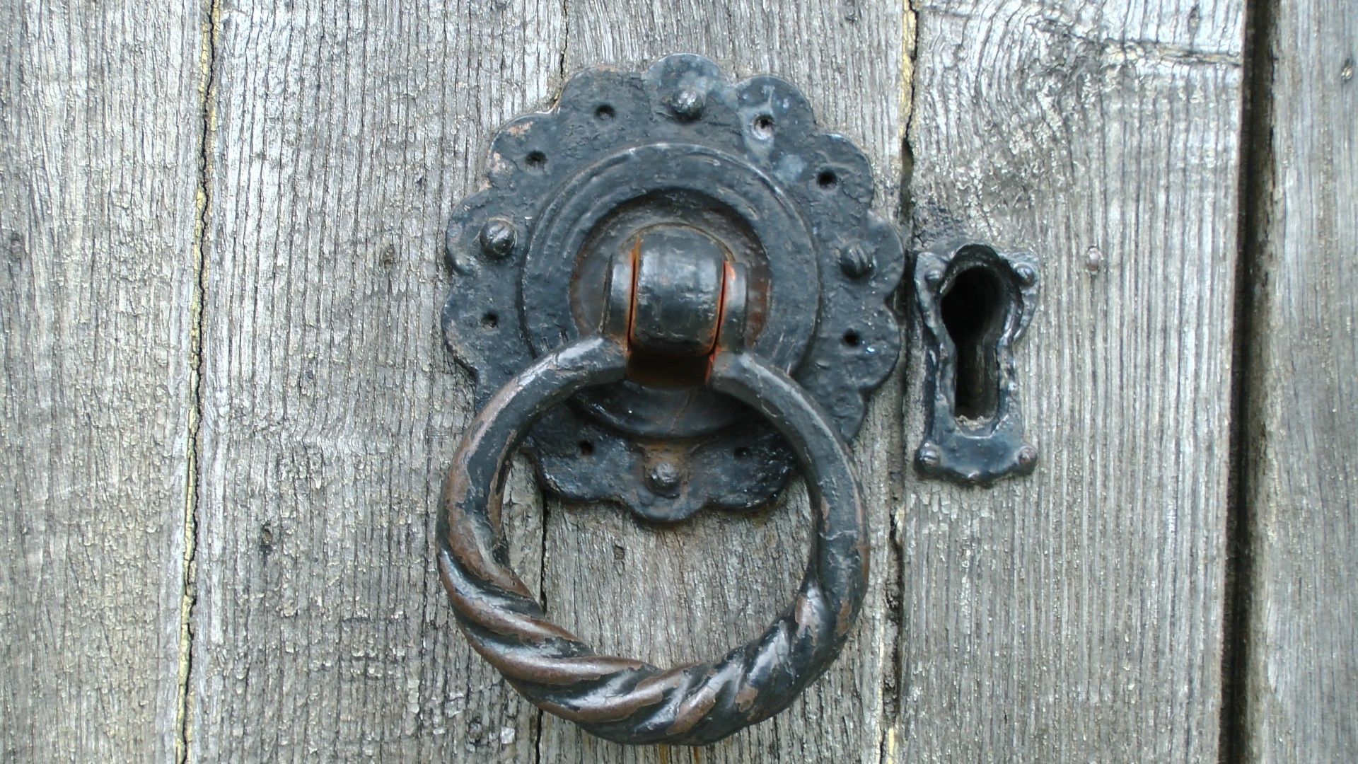 what to do with old door knobs photo - 15