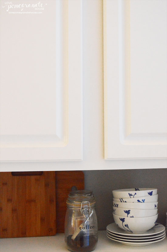 where to put knobs on cabinet doors photo - 12