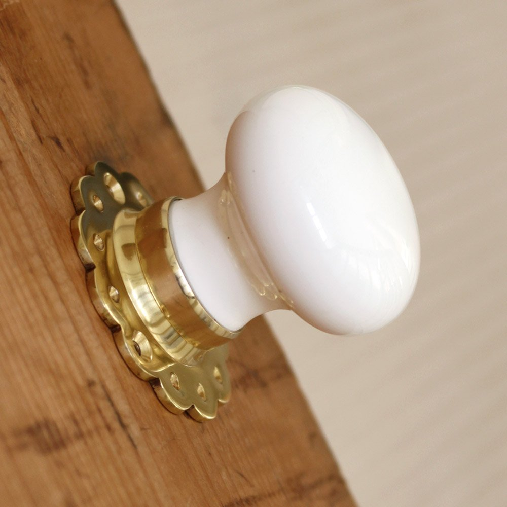 white door knobs photo - 20