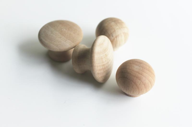 wooden cupboard door knobs photo - 3
