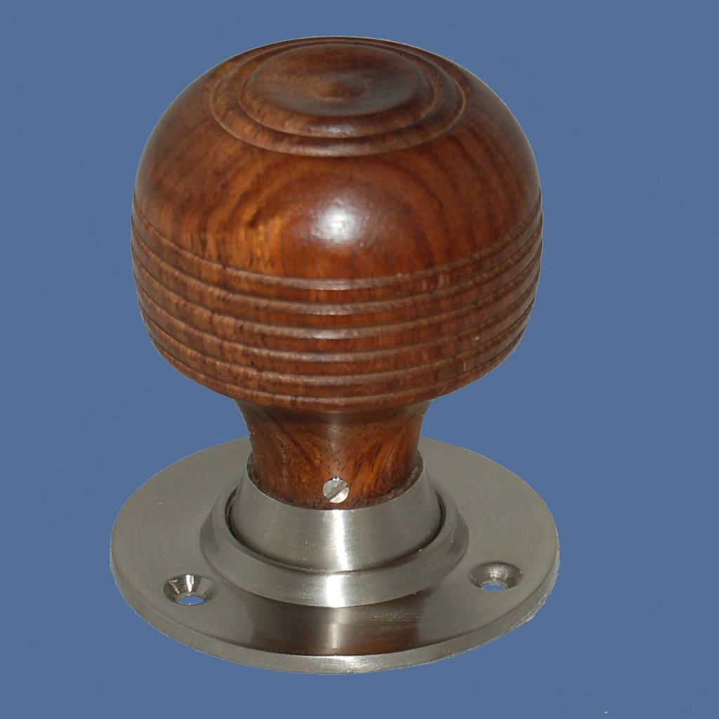 wooden door knob photo - 11