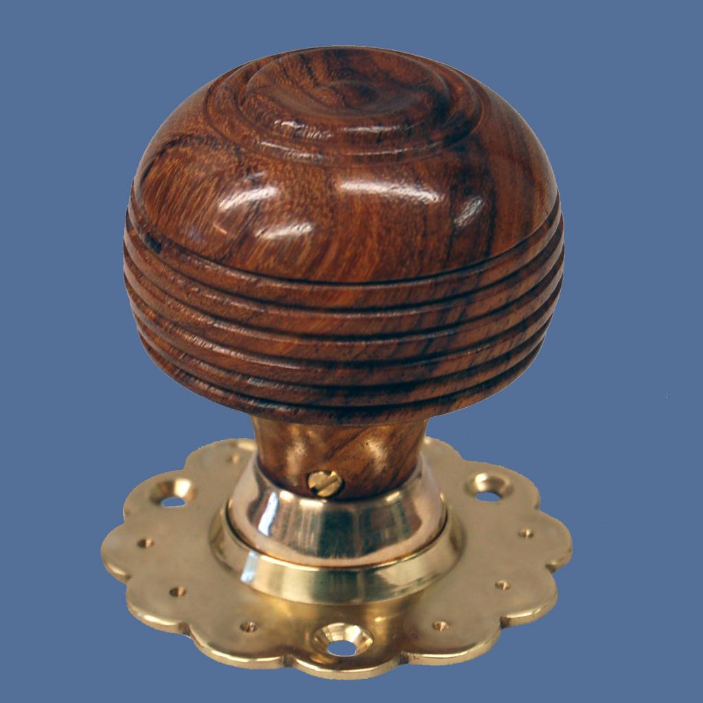 wooden door knobs photo - 19