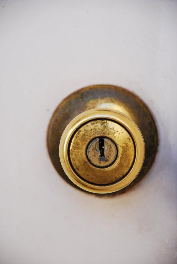 a door knob photo - 11