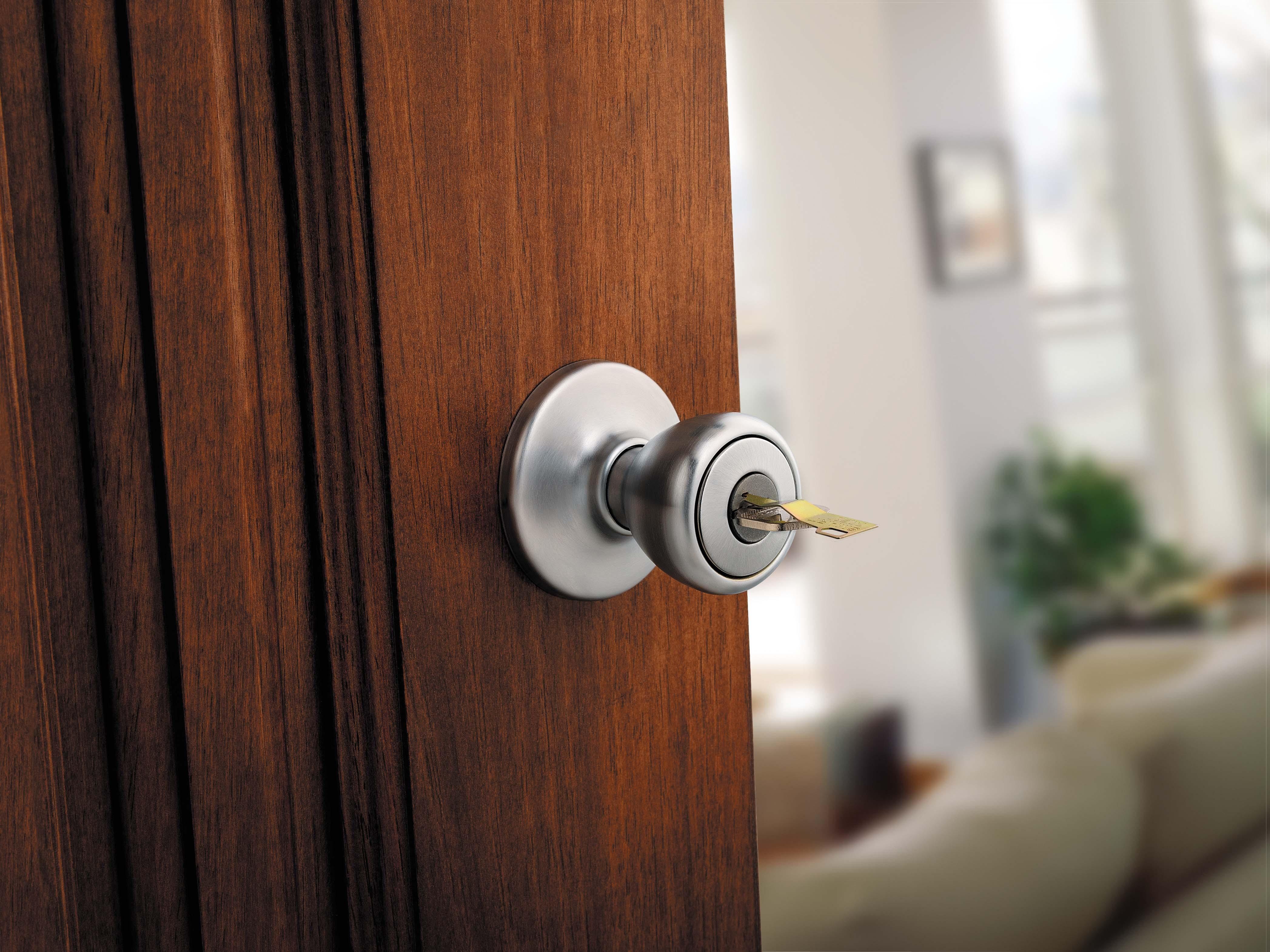 always locked door knob photo - 12