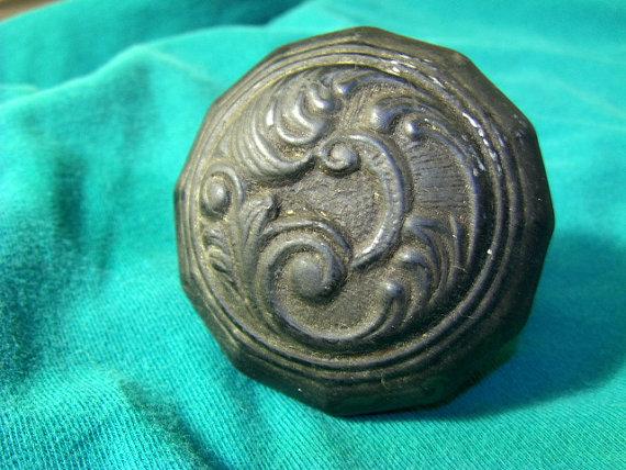antique black door knobs photo - 16