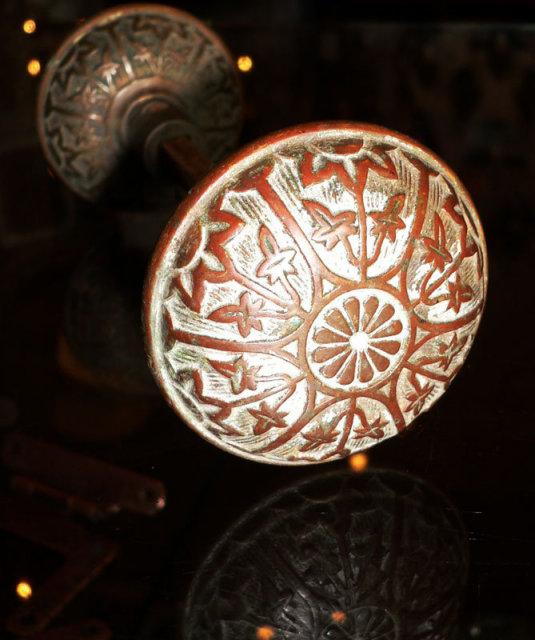 antique bronze door knobs photo - 10
