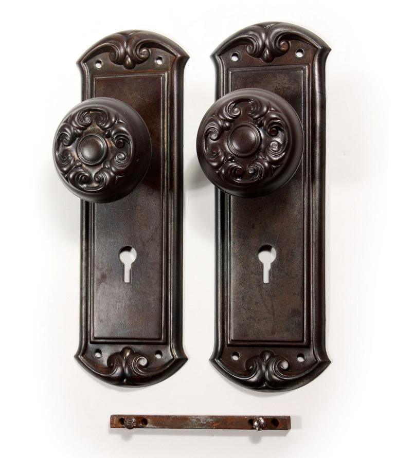 antique door knobs and hardware photo - 1