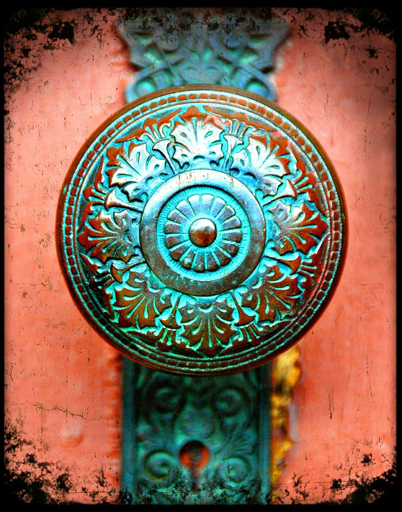 antique door knobs and locks photo - 18