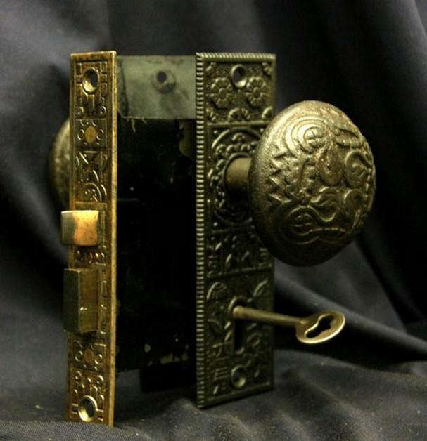 antique reproduction door knobs photo - 2