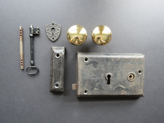 antique reproduction door knobs photo - 6